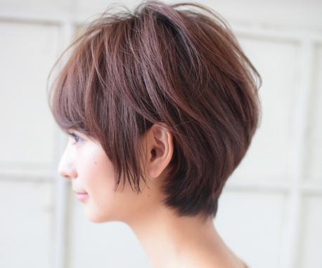 红棕色头发好看吗 让黑黄皮肤变白